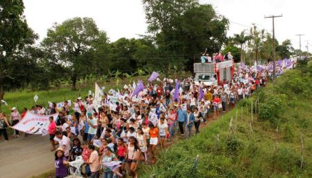 www.agroecologia.org.br-index.php-noticias,noticias-para-o-boletim-624-agricultoras-do-polo-da-borborema-tomam-as-ruas-de-massaranduba-pb-reivindicando-direitos-e-o-fim-da-violencia-contra-a-mulher