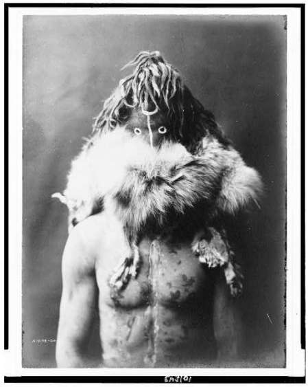 http://www.loc.gov/pictures/resource/cph.3c01843/?co=ecur.  Haschezhini--Navaho, 1904, c1905, Curtis, Edward S., 1868-1952,