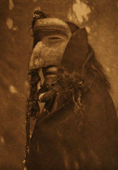 http://www.firstpeople.us/american-indian/people/nuhlimahla-qagyuhl.html.  nuhlimahla-qagyuhl. Fotógrafo não identificado