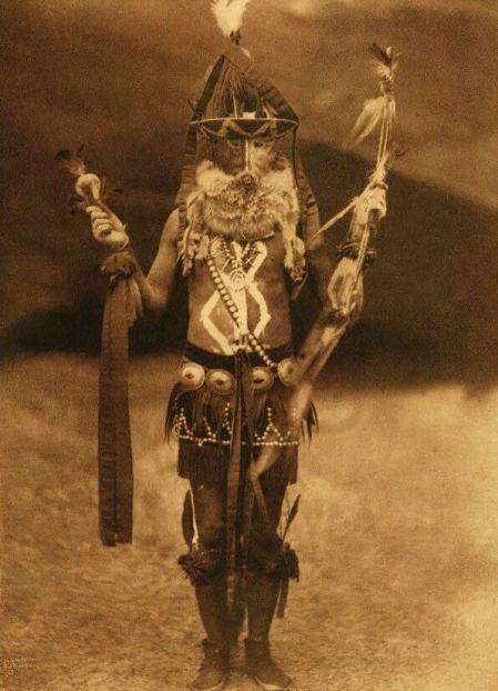 http://www.firstpeople.us/american-indian/people/zahadolzha-navaho-b.html. zahadolzha-navaho-b. Fotógrafo não identificado