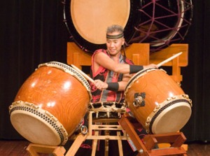 Kenny Endo, 4, web, taiko drumming